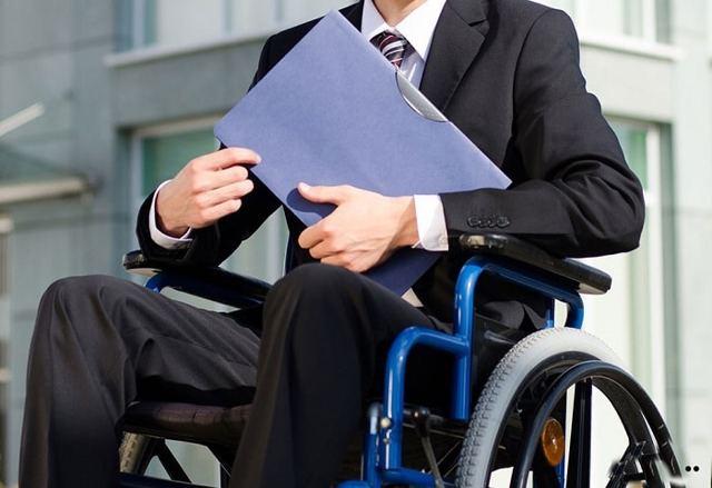 Какие выплаты ветерану и инвалиду 3 группы в Москве в 2020 году