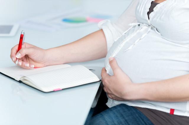 Пособия женщинам при беременности и выходе в декрет: как получить