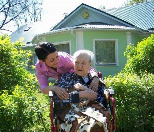 Пособие по уходу за инвалидом 3 группы: условия для получения