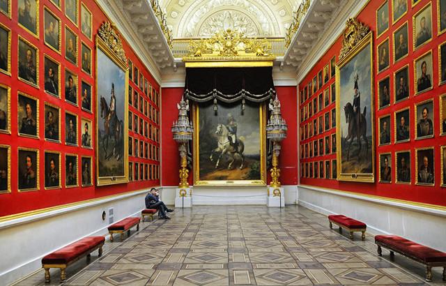 Бесплатные билеты в театр многодетным семьям в Москве и Санкт-Петербурге
