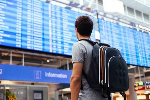 Компенсация за задержку рейса самолета: размер, как получить, сроки