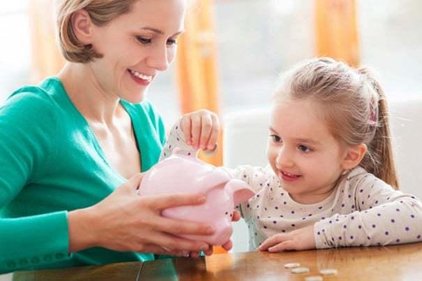 Выплаты приемной семье в 2020 году: перечень, размеры