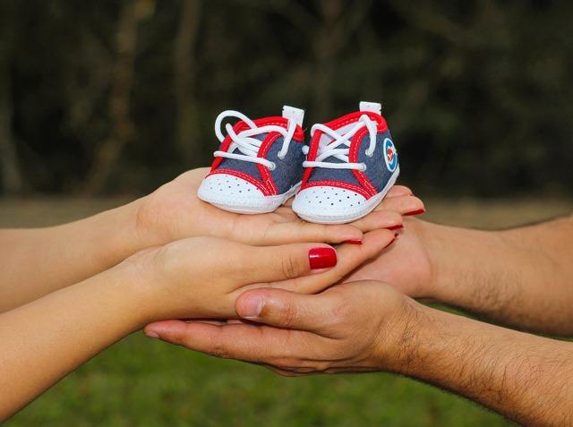 Пособия по беременности и родам для малоимущих: как получить