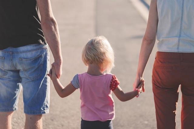Декретный отпуск бабушке или отцу ребенка в 2020 году. Как оформить